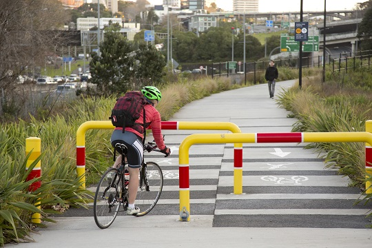 The entrance to the Grafton Gully cycleway