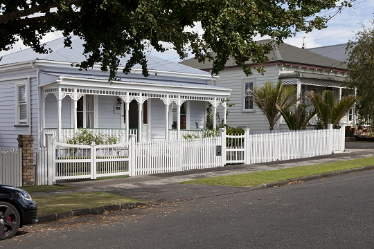Fences - the lower and more permeable the better (Mt Eden, Auckland)