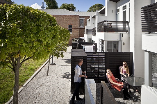 An informal 'social space' is created between the street and front door (Ponsonby, Auckland)