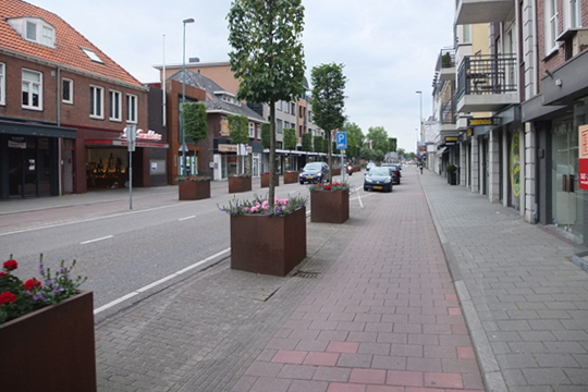 Cycle tracks and planting at Valkenswaard.